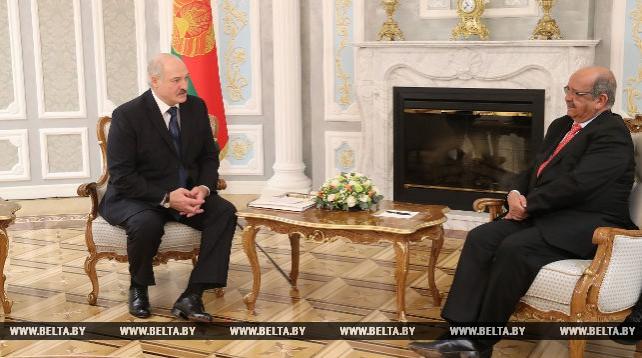Лукашенко встретился с министром иностранных дел Алжира