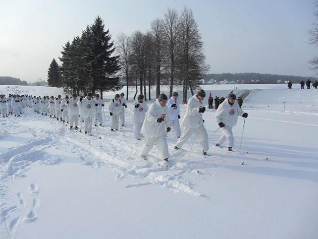 Лыжный переход в честь 100-летия ВС организовали десантники Беларуси и России