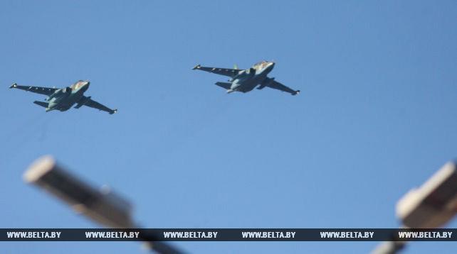 Военный парад в Гродно прошел с участием авиации