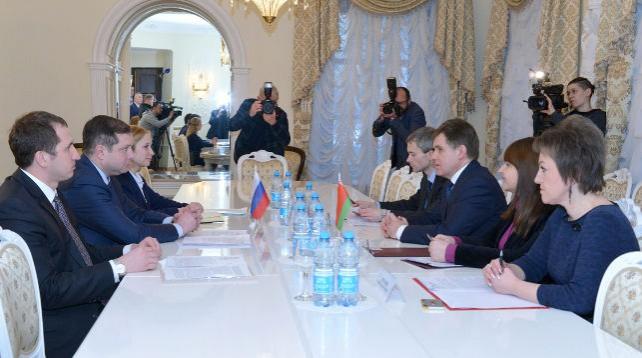 Беларусь и Смоленская область наметили программы сотрудничества в машиностроении, сельском хозяйстве и льноводстве