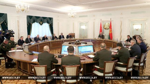 Лукашенко провел заседание Совета Безопасности Республики Беларусь