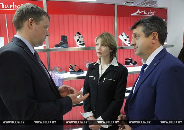 """Союзные парламентарии посетили обувной холдинг """"Марко"""" в Витебске"""