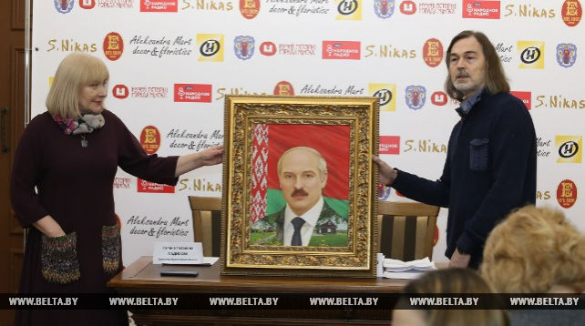 Никас Сафронов провел пресс-конференцию для белорусских СМИ