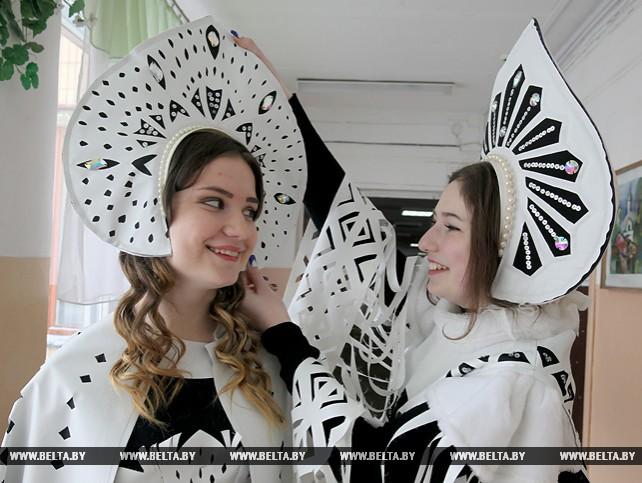 Коллекции одежды из необычных материалов создают витебские школьники