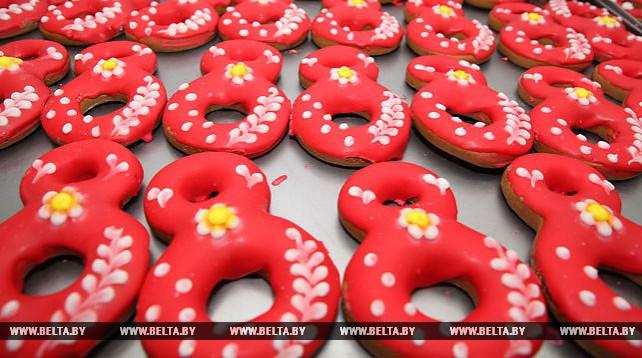 Кондитеры Могилева к 8 Марта выпустили свыше 15 тыс. тортов и пряников