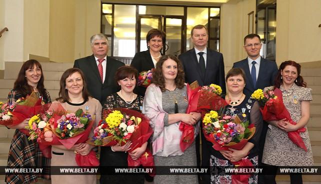 Шести женщинам Могилевской области вручены ордена Матери