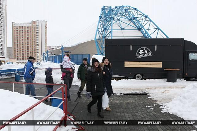 Ледовый каток по ул. Головацкого в Гомеле закрыт для проверки безопасности