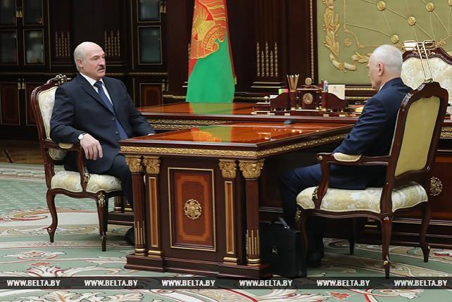 Лукашенко обсудил с Рапотой подготовку к ВГС Союзного государства