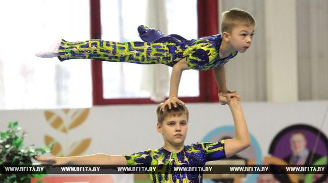 """Турнир по спортивной акробатике """"Киндер-сюрприз"""" проходит в Могилеве"""