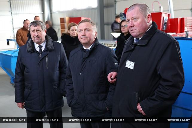 """Кобяков посетил научно-экспериментальную базу """"Журавинка"""""""