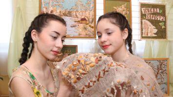 В кричевском центре творчества детей и молодежи восстанавливают берестяное ремесло