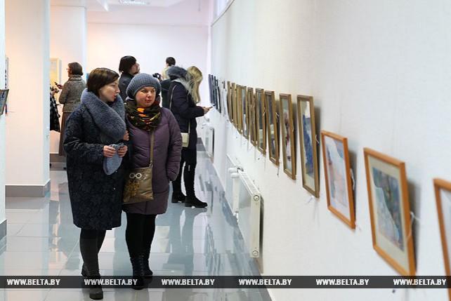 """Художественная выставка """"Изнутри...Разное"""" открылась в Бресте"""