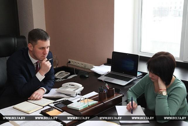 Заместитель председателя Могилевского облисполкома провел прямую телефонную линию