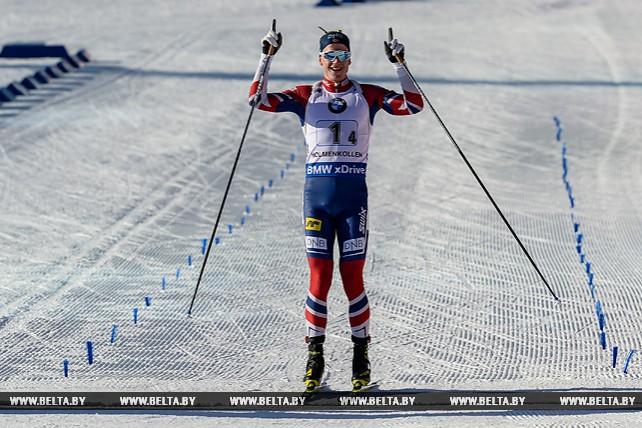 Биатлонисты Норвегии выиграли эстафету на этапе Кубка мира в Холменколлене