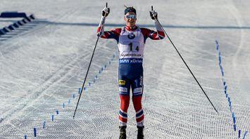 Биатлонисты Норвегии выиграли эстафету на этапе Кубка мира в Холменколлене, белорусы - 8-е