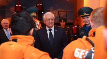Мясникович посетил Университет гражданской защиты МЧС