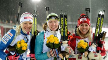 Дарья Домрачева выиграла спринт на этапе КМ в Тюмени