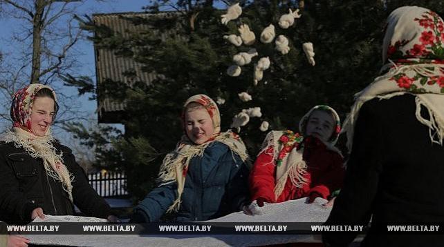 """Обрядовый праздник встречи весны """"Сороки"""" провели в Ельском районе"""
