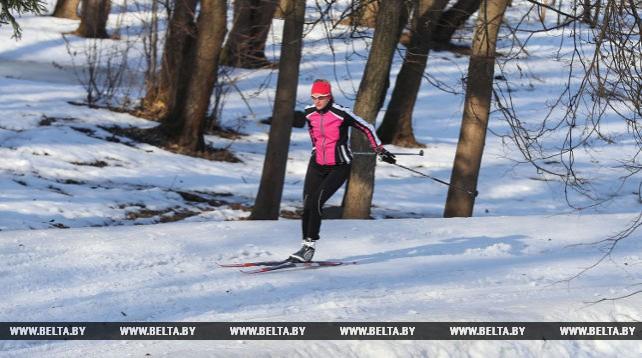 Светлана Сахоненко провела тренировку на лыжной трассе в Веснянке