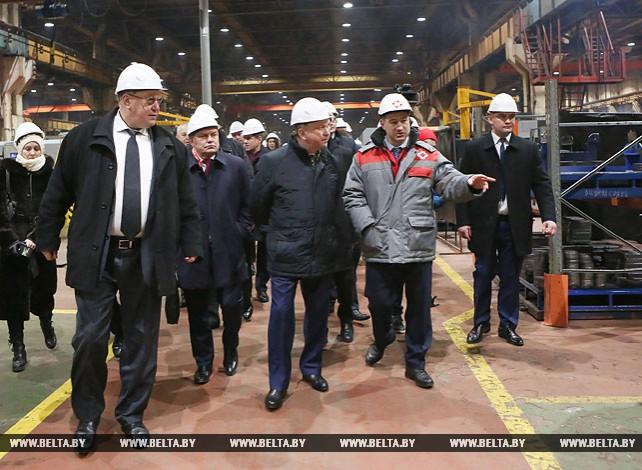 Кобяков посетил Петербургский тракторный завод