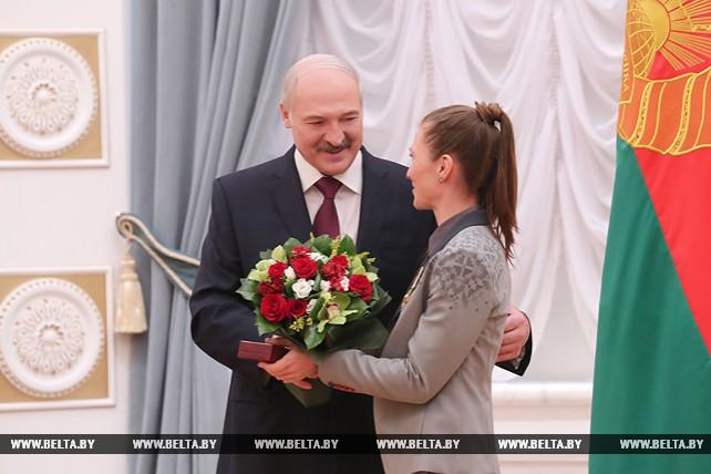 Лукашенко вручил госнаграды победителям и призерам Игр в Пхенчхане