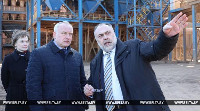 Шерстнев посетил Завод керамзитового гравия в Новолукомле