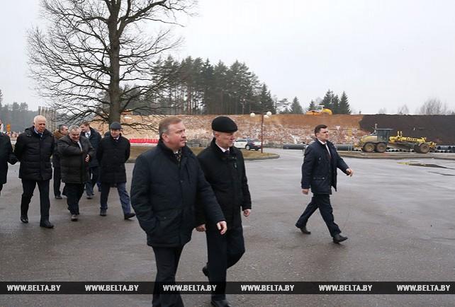 Кобяков ознакомился с ходом реконструкции автодороги М6 Минск-Гродно
