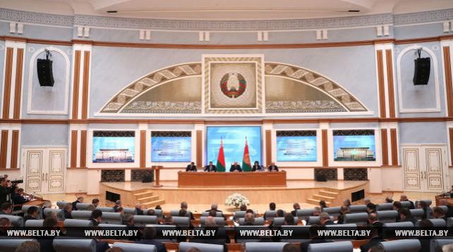 Лукашенко провел семинар-совещание о развитии села и повышении эффективности АПК