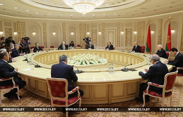 Лукашенко встретился с руководителями делегаций, участвующими в заседании Совета министров иностранных дел СНГ
