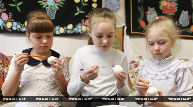 Мастер-класс по писанке прошел в Бешенковичах