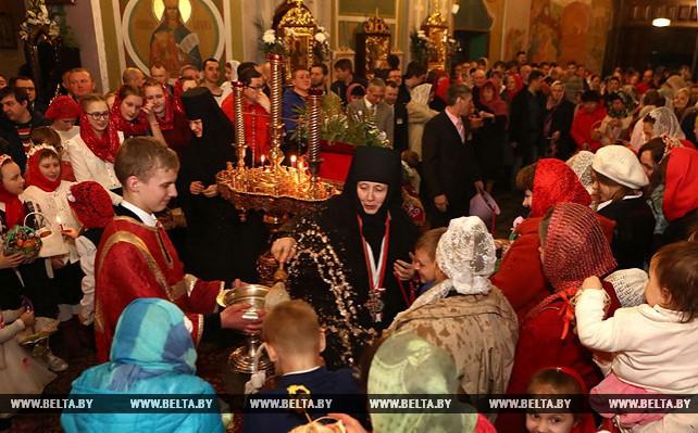 Пасхальное богослужение в Гродненском Свято-Рождество-Богородичном женском монастыре