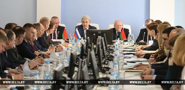 Подготовку Беларуси к оценке системы борьбы с теневыми доходами обсуждают на семинаре в Минске