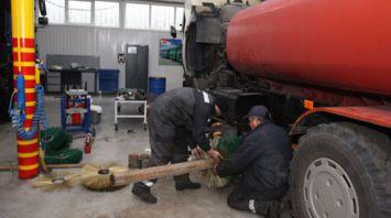 Под Киевом на базе шасси МАЗ делают коммунальную и дорожно-строительную технику