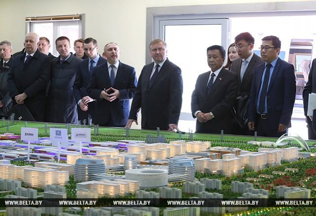 """Кобяков посетил индустриальный парк """"Великий камень"""""""