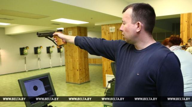 В Гродно провели первый среди журналистов турнир по стрельбе
