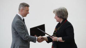 МАРТ и Ассоциация розничных сетей подписали соглашение о взаимодействии и информационном обмене