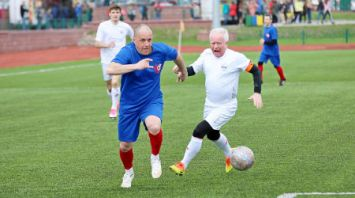 Руководство Бобруйского горисполкома и представители дипмиссий сыграли в футбол