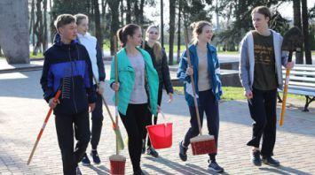 Жители Витебской области участвуют в республиканском субботнике