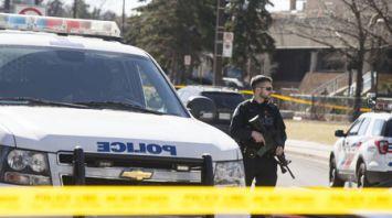 В Торонто при наезде микроавтобуса на пешеходов погибли 10 человек