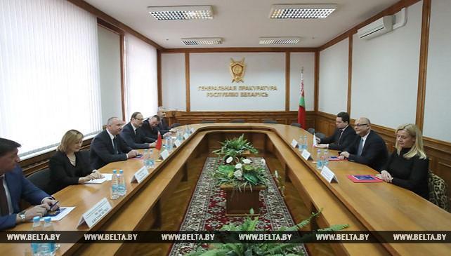 Конюк встретился с главой Международной ассоциации прокуроров