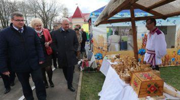 Парламентарии ознакомились с развитием малого предпринимательства в Славгородском районе