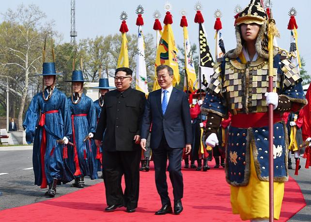 Лидеры Республики Корея и КНДР намерены подписать мирный договор