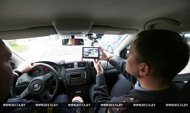 Машины ГАИ с приборами фотофиксации нарушений парковки начали работать в Минске