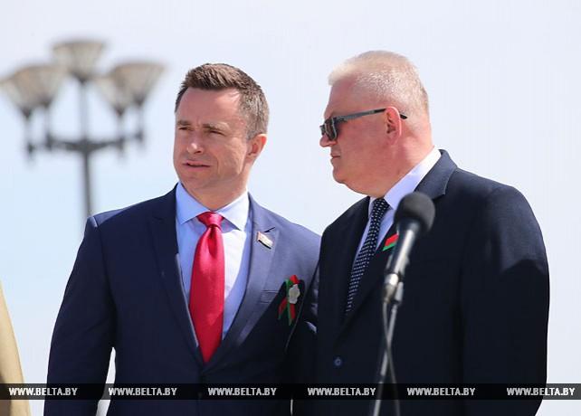 Третий трудовой семестр открылся на площади Государственного флага в Минске