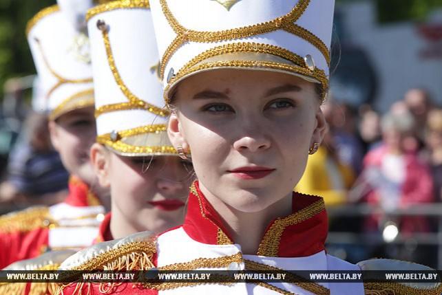 Парад оркестров прошел на площадке у МТЗ