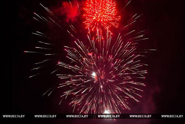 Салютом завершилось празднование Дня Победы в Могилеве