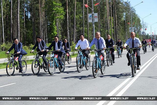 """Руководство """"Великого камня"""" совершило велосипедный объезд парка"""