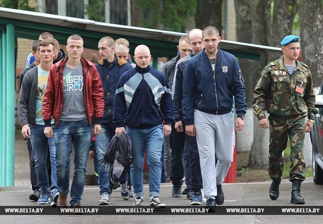 Около 1,3 тыс. призывников Витебской области пополнят ряды белорусской армии