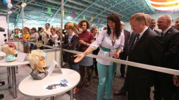 Кобяков посетил площадку WorldSkills Belarus 2018