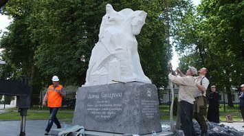 В Гродно установили памятник князю Давыду Городенскому